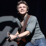 Photo Courtesy of www.hunterhayes.com